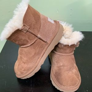 Uggs Bailey button boots